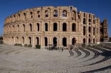 1024px-Amphitheatre_El_Jem(js)1